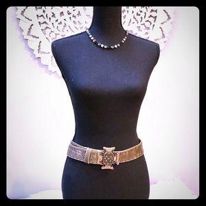 Cache Jeweled Leather Belt🌟
